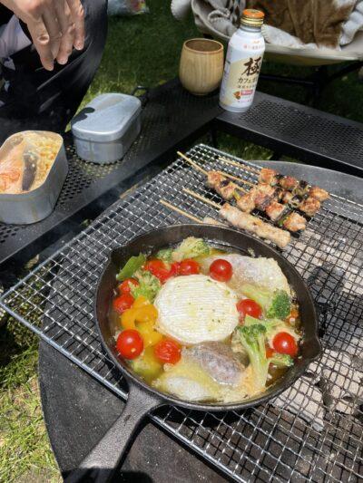 キャンプ飯カマンベールアヒージョ