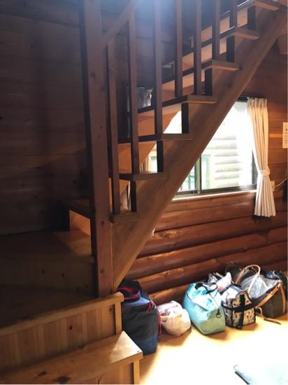 コテージ森林村のコテージ内階段